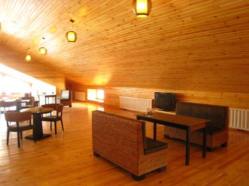 虹溪谷滑雪场二楼休息大厅图片